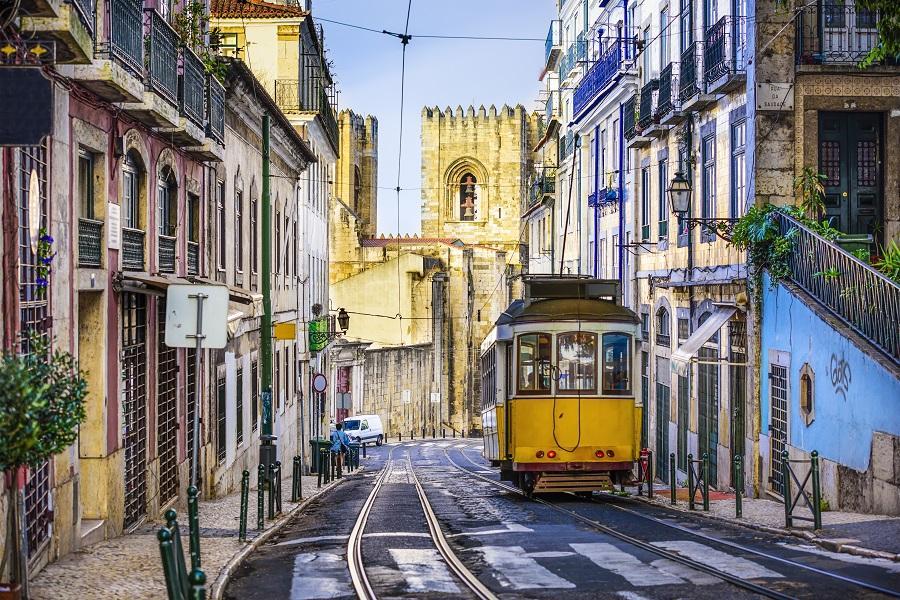 【土航】葡萄牙雙點、百年酒莊、 佩納宮、巨岩童話小鎮 、洛卡岬12日