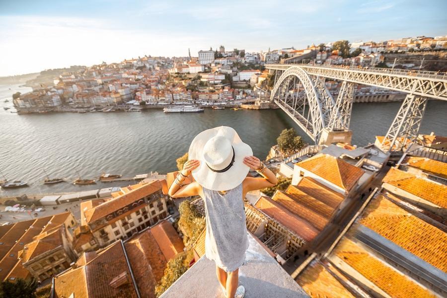【賺很大】西葡雙國雙遊船、世界最美圖書館、高第建築巡禮、高速列車12日