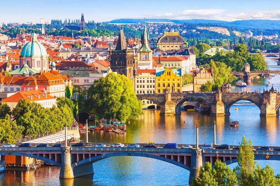 【玩轉奧捷】布拉格三晚、國王湖、鹽礦體驗、天文鐘、米其林推薦餐廳10日