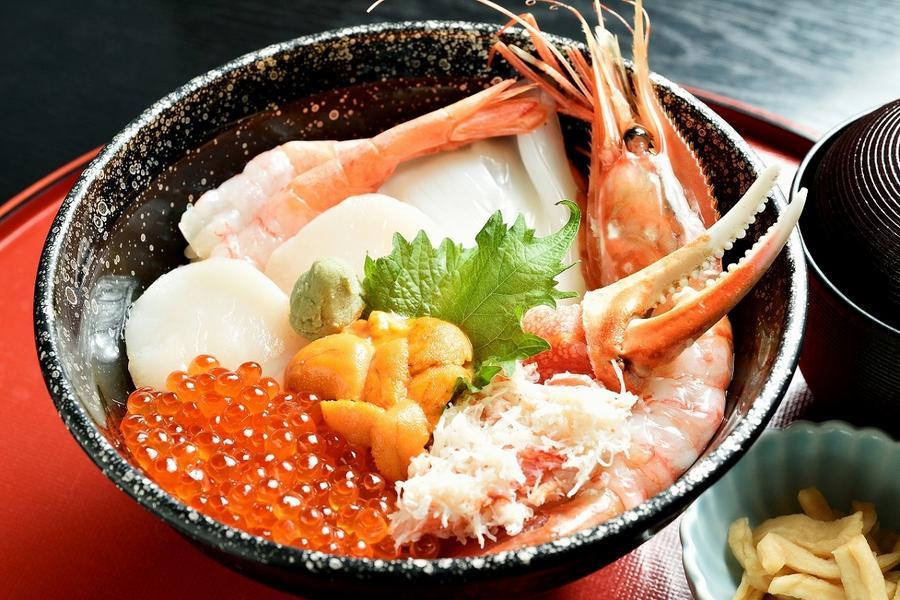 名古屋購物、月兔之里、兼六園合掌村、海鮮美食6日