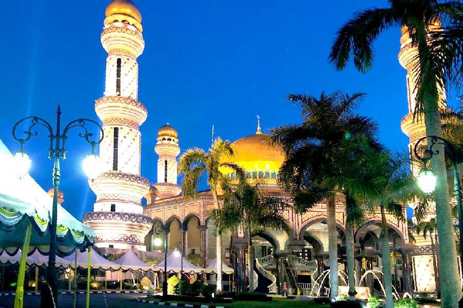 【汶萊包車自由行】汶萊市區精選飯店自由行4日(贈一日包車旅遊、2人成行、汶萊航空)