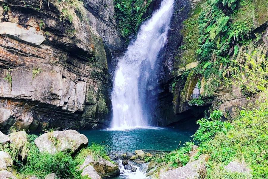 【四人成行小包團】嘉義燕子崖、千年蝙蝠洞、雲潭瀑布、瑞里步道健行1日