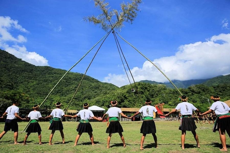 【台東】達魯瑪克部落體驗、加路蘭、富山護漁區、知本金聯世紀溫泉2日