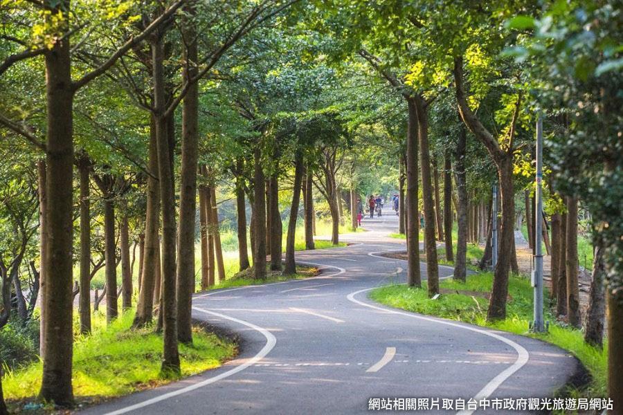 【台中】GO BIKE TAIWAN~ 潭雅神綠園道、霧峰林家宮保第、雲仙谷採果樂、老爺行旅2日
