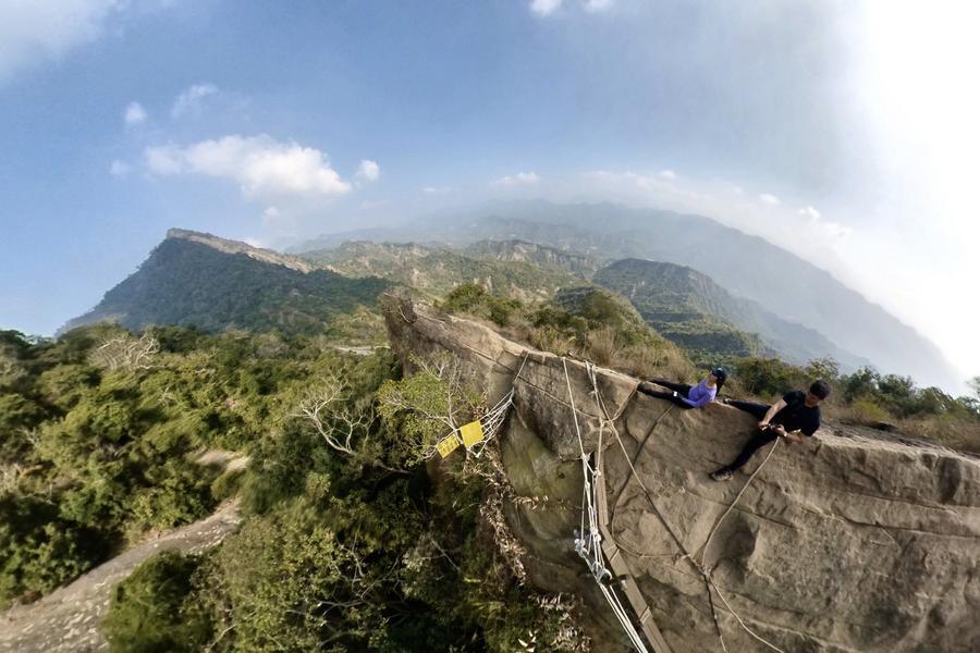 【微旅行-到府接送】台南梅嶺~獵鷹尖、一線天登山步道、水道博物館一日