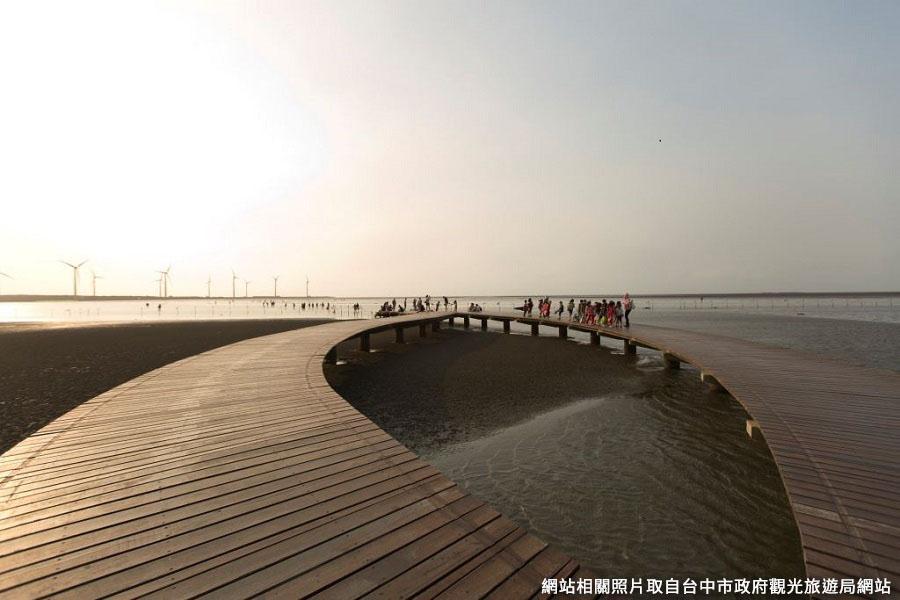【聖護天佑】玻璃媽祖廟、三井OUTLET、高美濕地1日(台南出發)