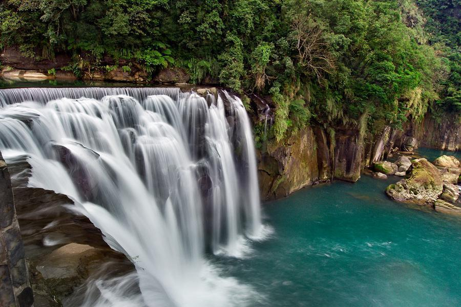 藍天綠境山海戀~台版尼加拉瓜瀑布、福隆車站+舊草嶺隧道、遊艇星巴克一日